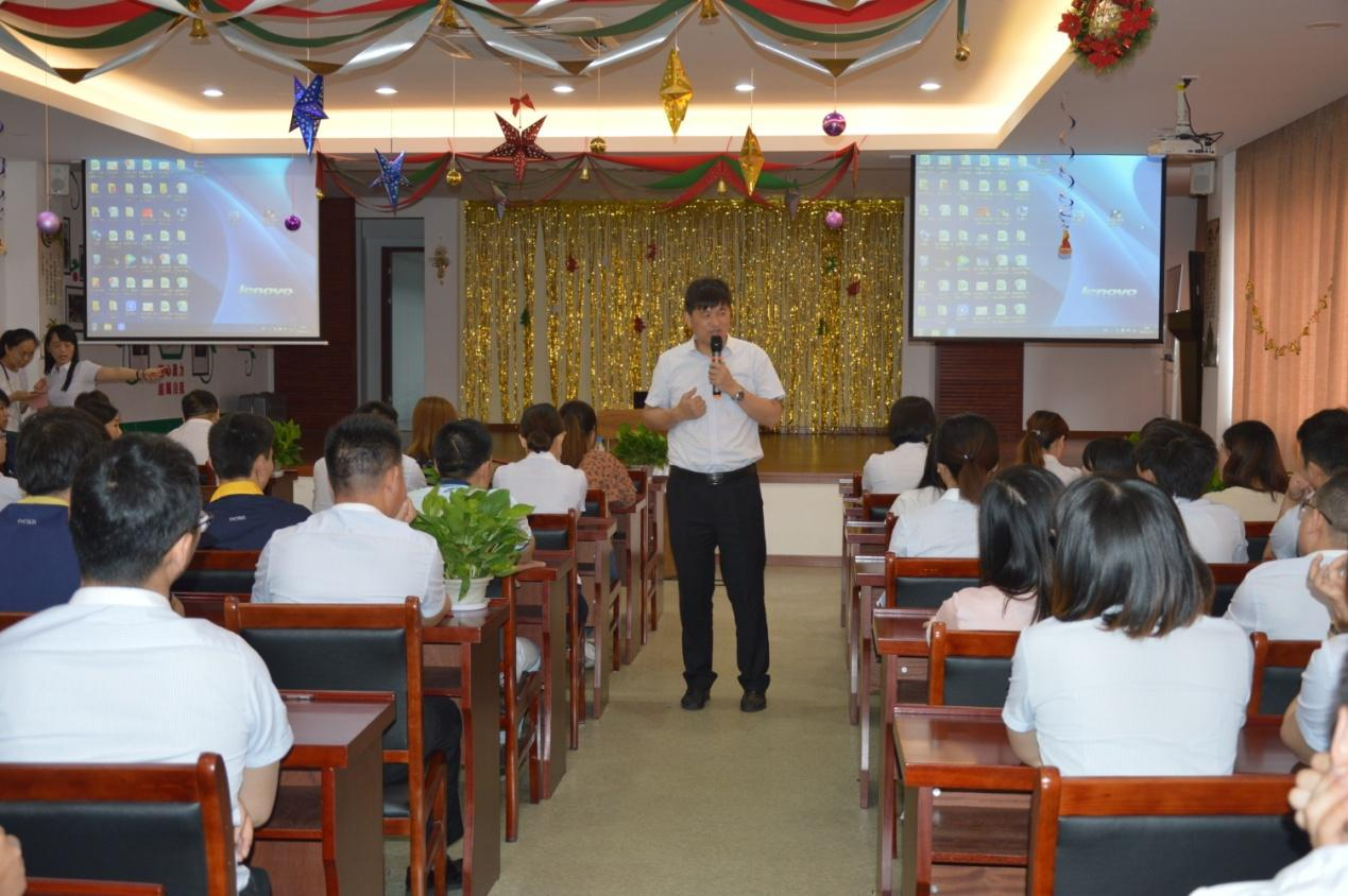 The company organized a series of lectures on safety production and trauma first aid.