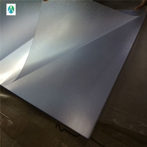 Embossed PVC transparent sheet foar kompensearre printsjen en post board